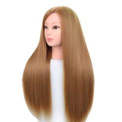 Comment démêler les cheveux d'une tête à coiffer ?